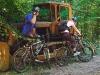 Тракторець при дорозі