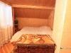 Спальня з кахляною пічкою