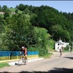 Велотуристи з Косова їдуть на Писаний камінь