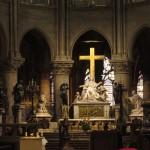 """Один з пяти бокових вівтарів собору , який будувався майже 600 років. В порівнянні собором св. Віта барселонський храм Святої Родини """" відпочиває"""". Хіба що буде добудовуватися ще 468 років"""