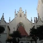А тут Майзельова синагога неоготичного стилю з елементами барокко16 ст,