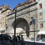 ...і ширшими вуличками старого Порту ...