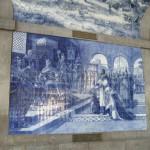 Використання сюжетних і орнаментальних плиток азулежу, а вірніше кахлів,є ознакою національної культури в Португалії