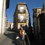 Надзвичайно стрімкі вулички старого Порту збігають до набережної