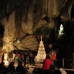 Печера в якій дівчинці Бернадеті явилась...