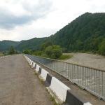 Переїхали мостом знову у Чернівецьку область..
