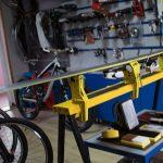 Професійний станок-струбцина для сервісу лиж та сноубордів